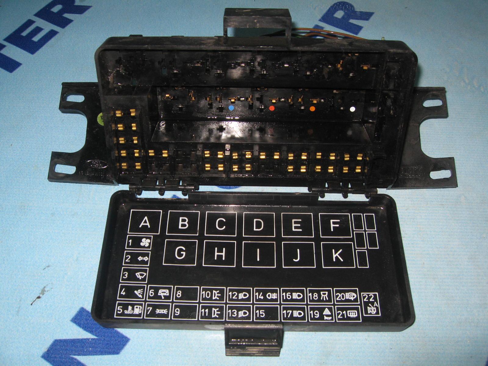 skrzynka bezpiecznik u00f3w ford transit 1986